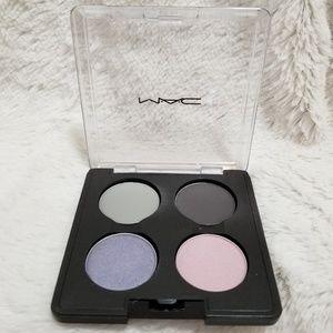 MAC Cosmetics Makeup - MAC TEASE ME... (2004 VINTAGE) EYESHADOW PALETTE
